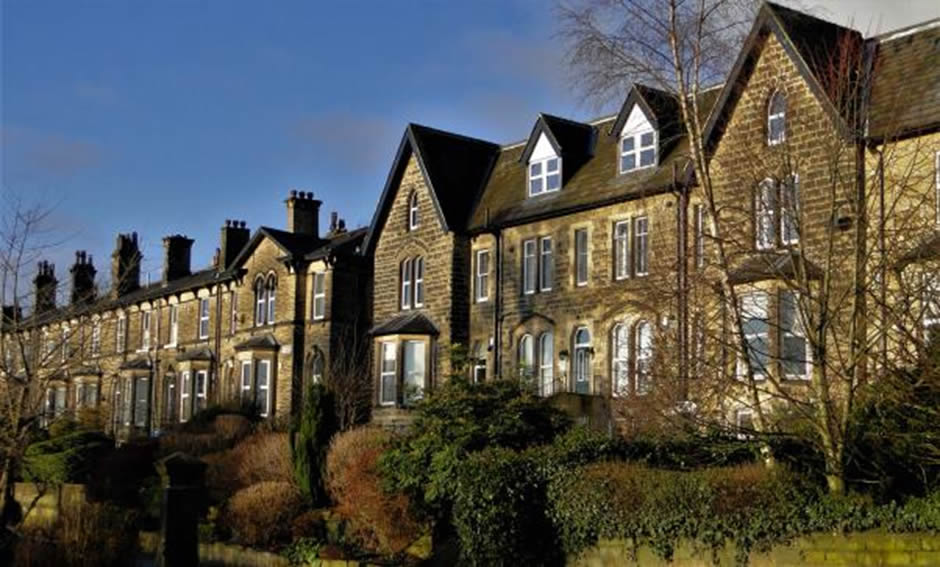 10 Important Facts about Listed Buildings